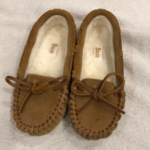 Moccasins with fur like lining size 11